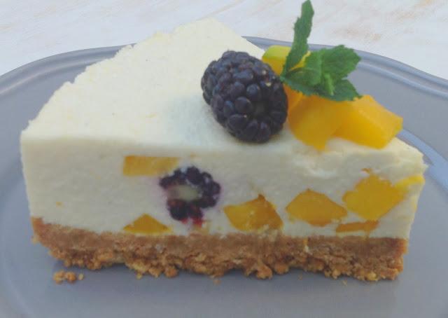 Cheesecake de mango y moras (sin horno)
