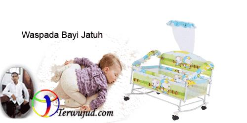Bayi jatuh dari tempat tidur