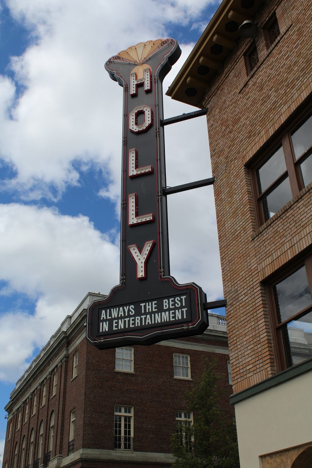 Holly Theater Tours Medford Oregon