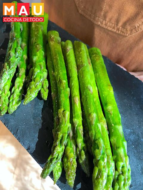 esparragos al sarten mantequilla aceite de oliva mau cocina de todo receta facil