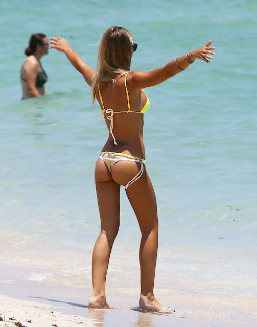 Laura Cremaschi – Hot In a bikini in Miami