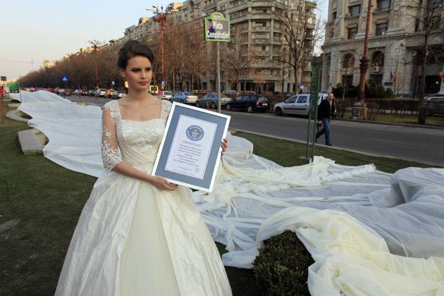Welcome To Davies Angela Blog: World's Longest Wedding