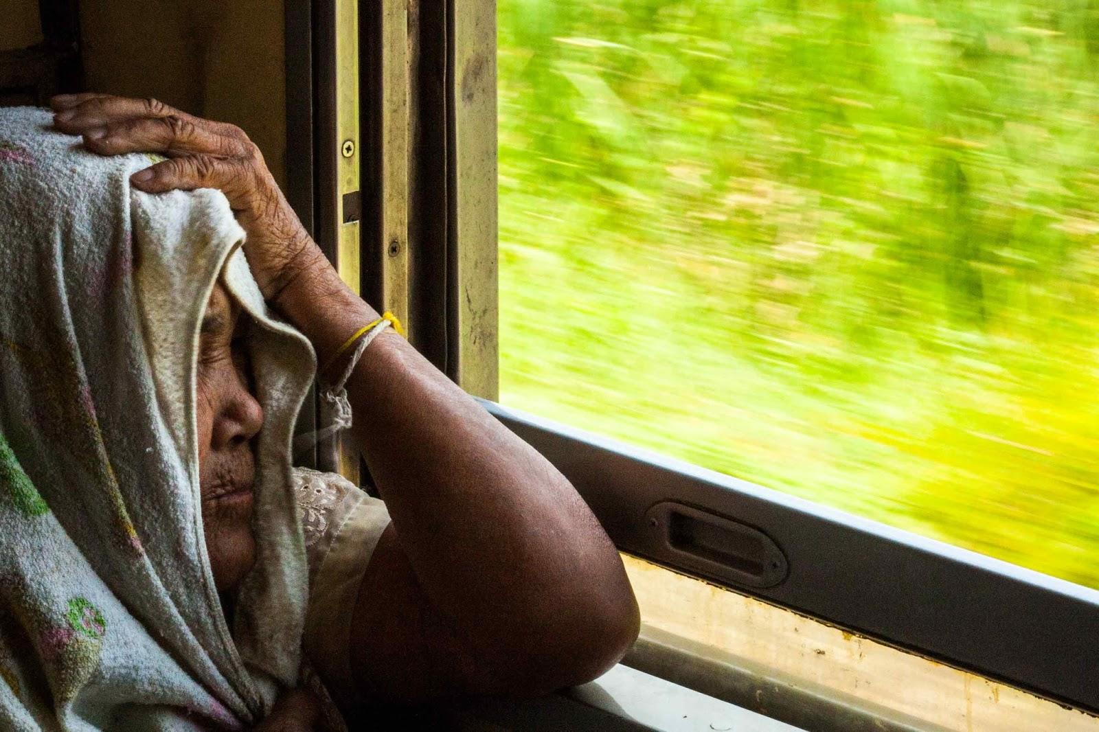 Como é a viagem de trem entre Bangkok e Chiang mai