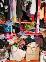 Resultado de imagem para guarda roupa bagunçado