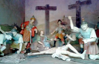 Cenas da Via Sacra - Crucificação de Jesus