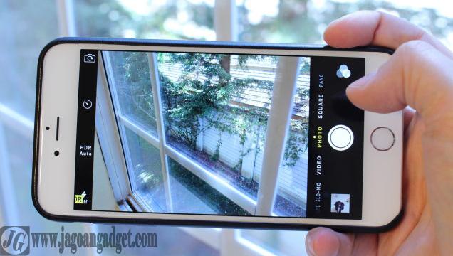 Kelebihan iPhone 6S terletak pada kamera belakang yang beresolusi 12MP