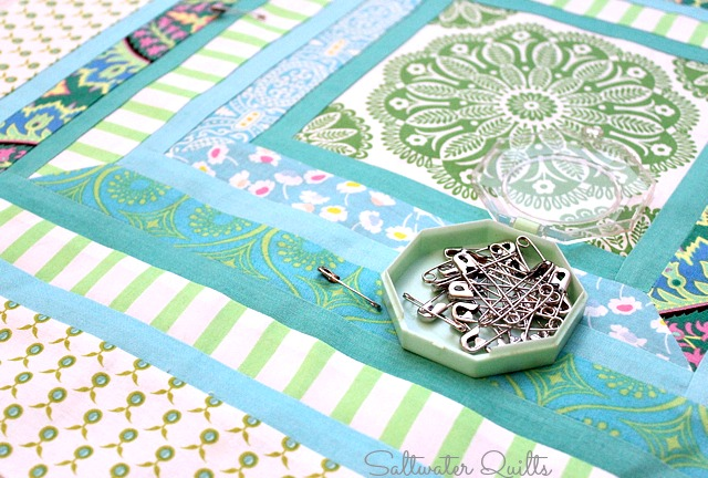 Pillow Covers | Mitered Corners Tutorial | Quilt Tutorial | © Saltwater Quilts 2012