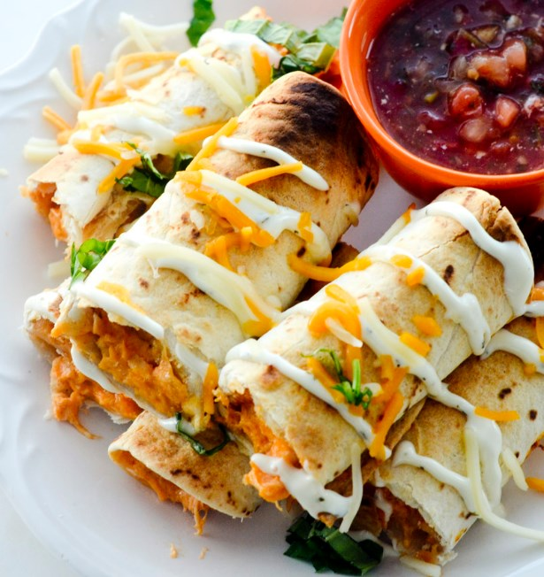 BAKED BUFFFALO CHICKEN TAQUITOS #lowcarb #diet