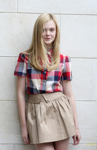 Abbie cornish andrea riseborough in we 2012 - 1 3