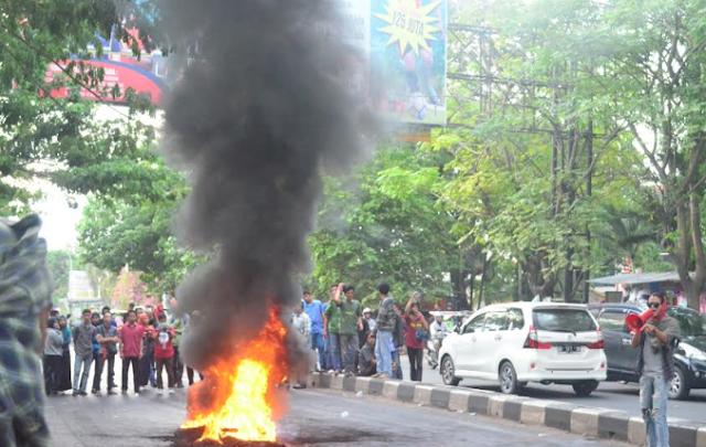 Sampaikan Aspirasi, HMI Cabang Gowa Raya tuntut Jokowi Mundur