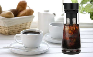 cold brew coffee maker as coffee present ideas