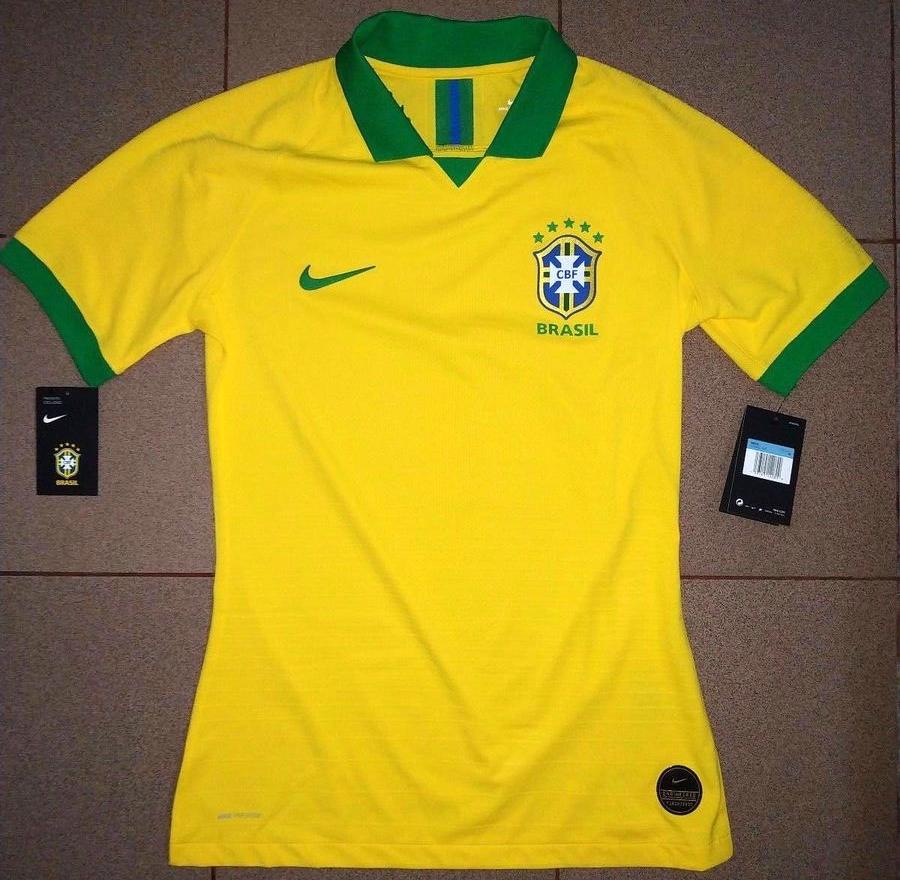 72ec33fb93 Nova camisa titular da Seleção Brasileira tem imagem vazada - Show ...