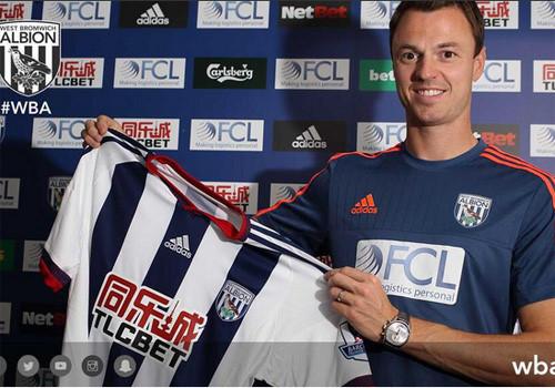 Jonny Evans ký kết hợp đồng 4 năm với CLB West Brom từ Quỷ đỏ.