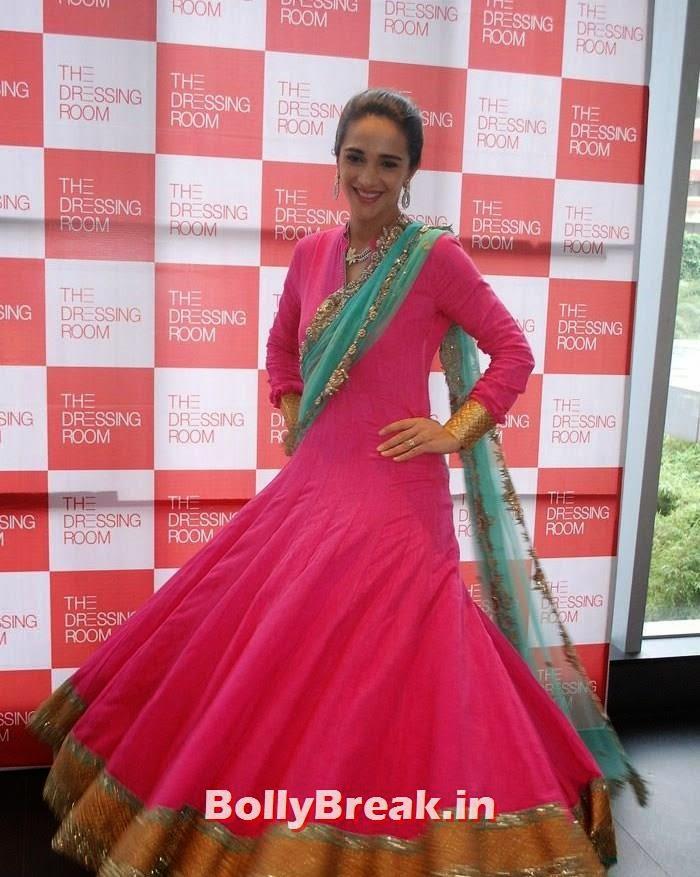 Tara Sharma, Simone Singh & Tara Sharma Latest Hot Pics at Exhibititon