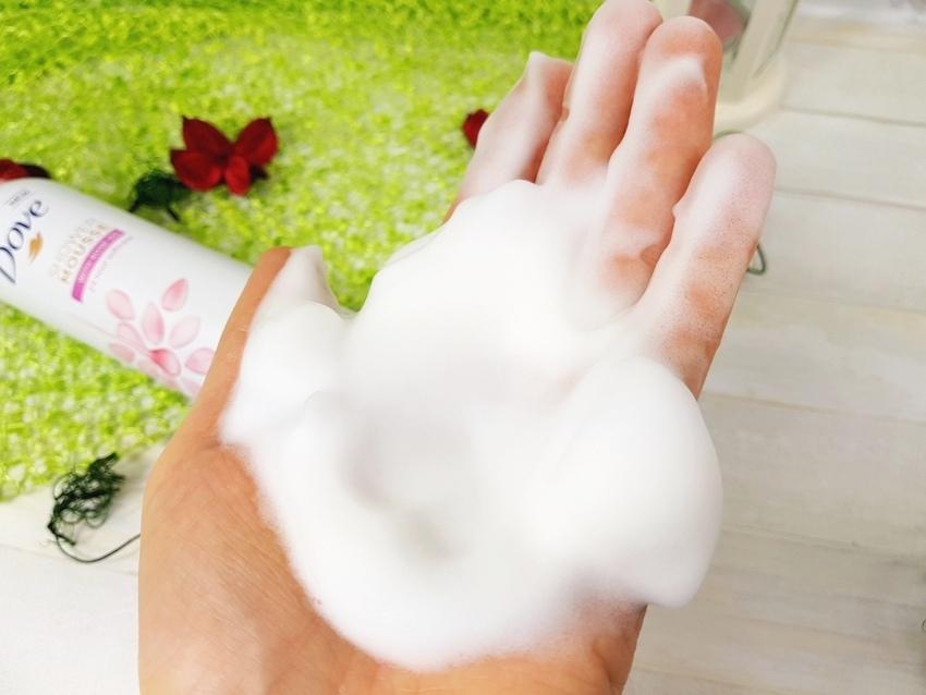 Dove Mus do Mycia Ciała Olejek Różany