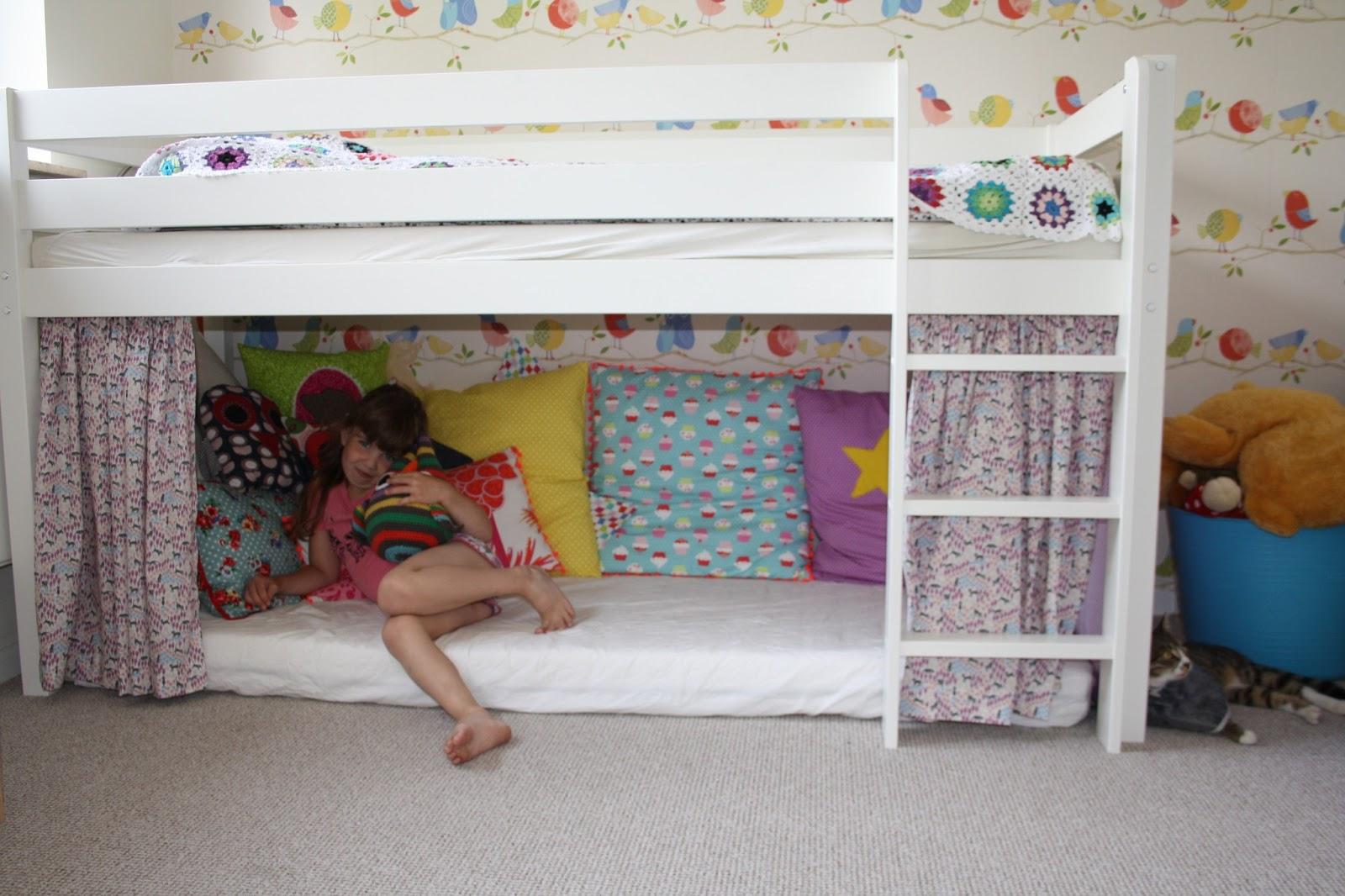 seng med hule Stjernefrø: Puder, puder og en seng med hule seng med hule
