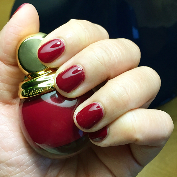 Diorific Vernis nail polish in 745 Grenat