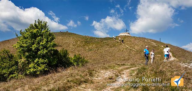 Uno dei sentieri che scendono dal monte Chiusarella