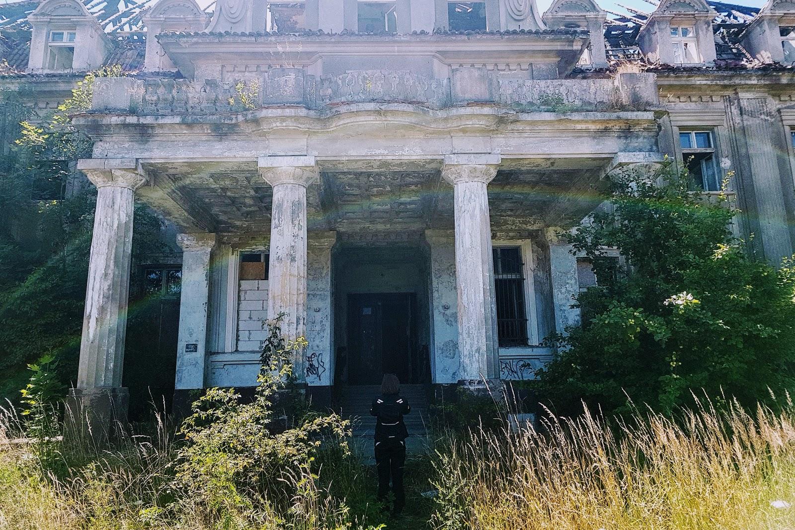 opuszczony pałac w bełczu wielkim