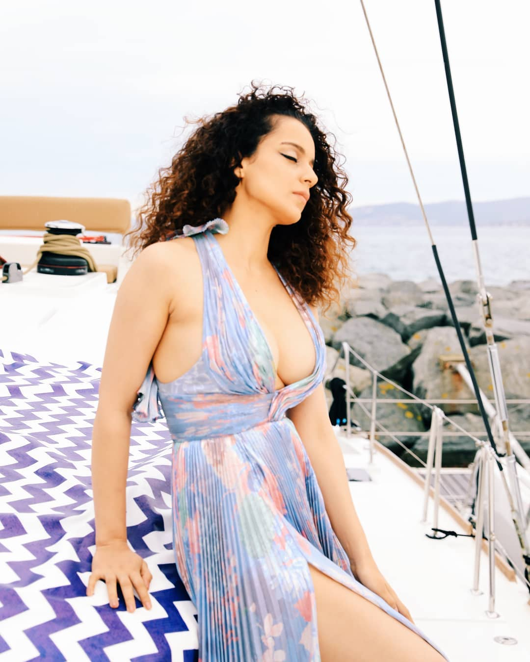 Kangana Ranaut's Latest HD Photos From Cannes | Celebrity Photo 2019