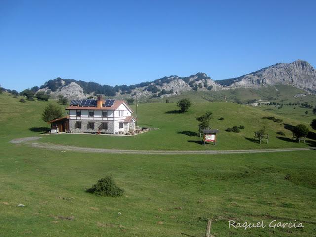 Refugio. Campas de Arraba en el Parque Natural de Gorbeia (Zeanuri, Bizkaia)