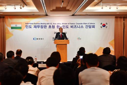 finance-minister-jaitley-paramnews-with-senior-leadership-of-premier-korean-companies