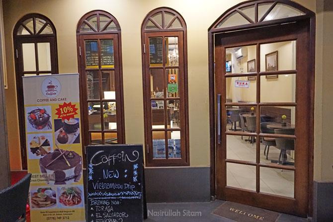 Kedai Kopi Caffein di kawasan Nagoya Hill Batam
