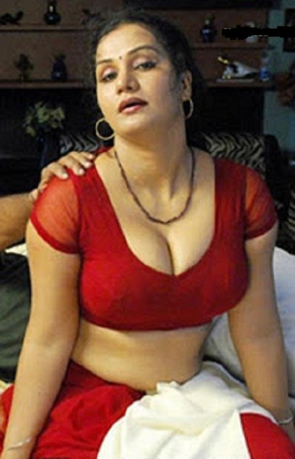Redhead bib boobs