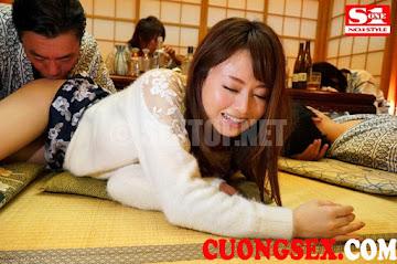 SNIS-861 Lợi dụng cô vợ dâm Akiho Yoshizawa say rồi gạ tình