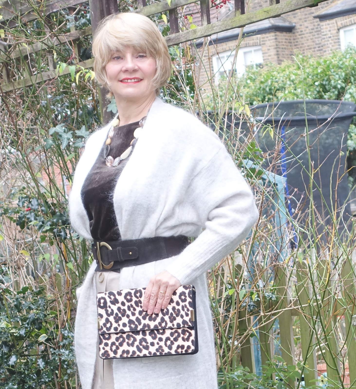 Cool for winter: brown velvet with shades of cream and camel