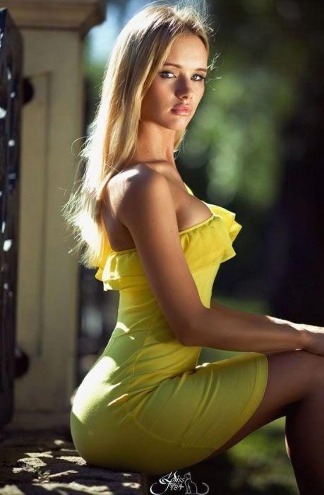 Hot blonde chicks