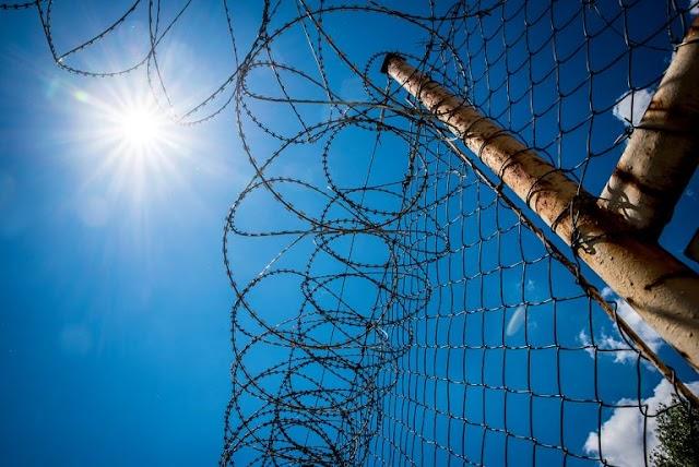 Megerőszakolt egy 2 hetes gyereket – a börtönben megkapta a magáét
