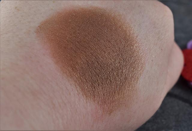 Lord & Berry Stardust Pigment Eyeshadow in Dark Bronze Swatch