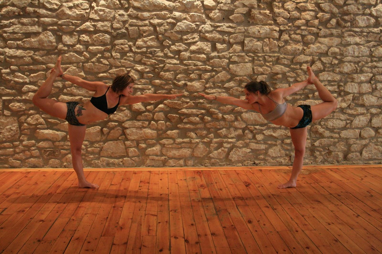 The Best Yoga For You: Dandayamana-Dhanurasana – Standing ...