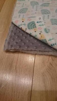 jak ułożyć materiał szyjąc kocyk minky