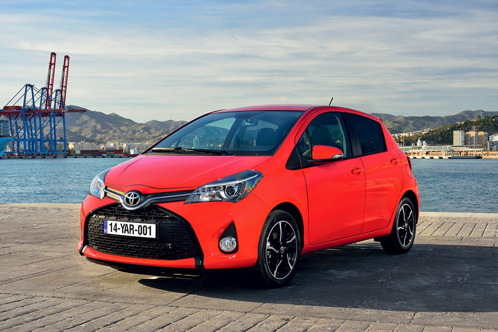 2015 Toyota Yaris front