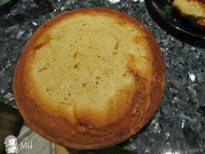 Bizcocho para tarta cortado