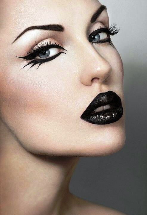 Happy Halloween Day: 18 Halloween Lips Makeup Ideas