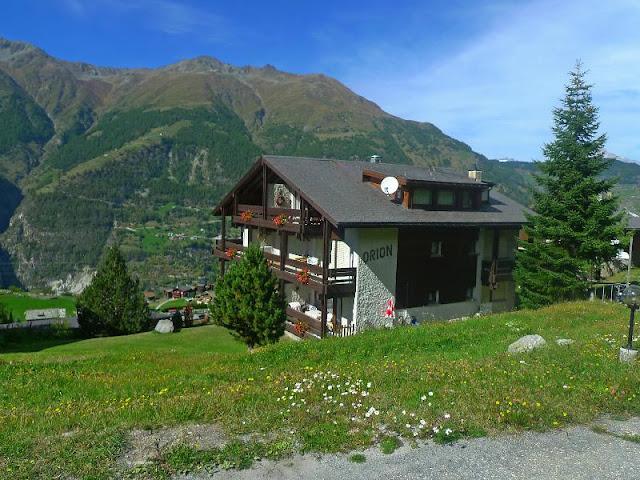 A Modern Resort Home with Swiss Alps Vista A Modern Resort Home with Swiss Alps Vista 568311a hb a 001
