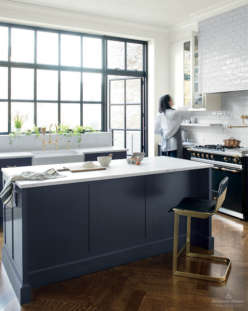 benjamin moore hale navy in a kitchen