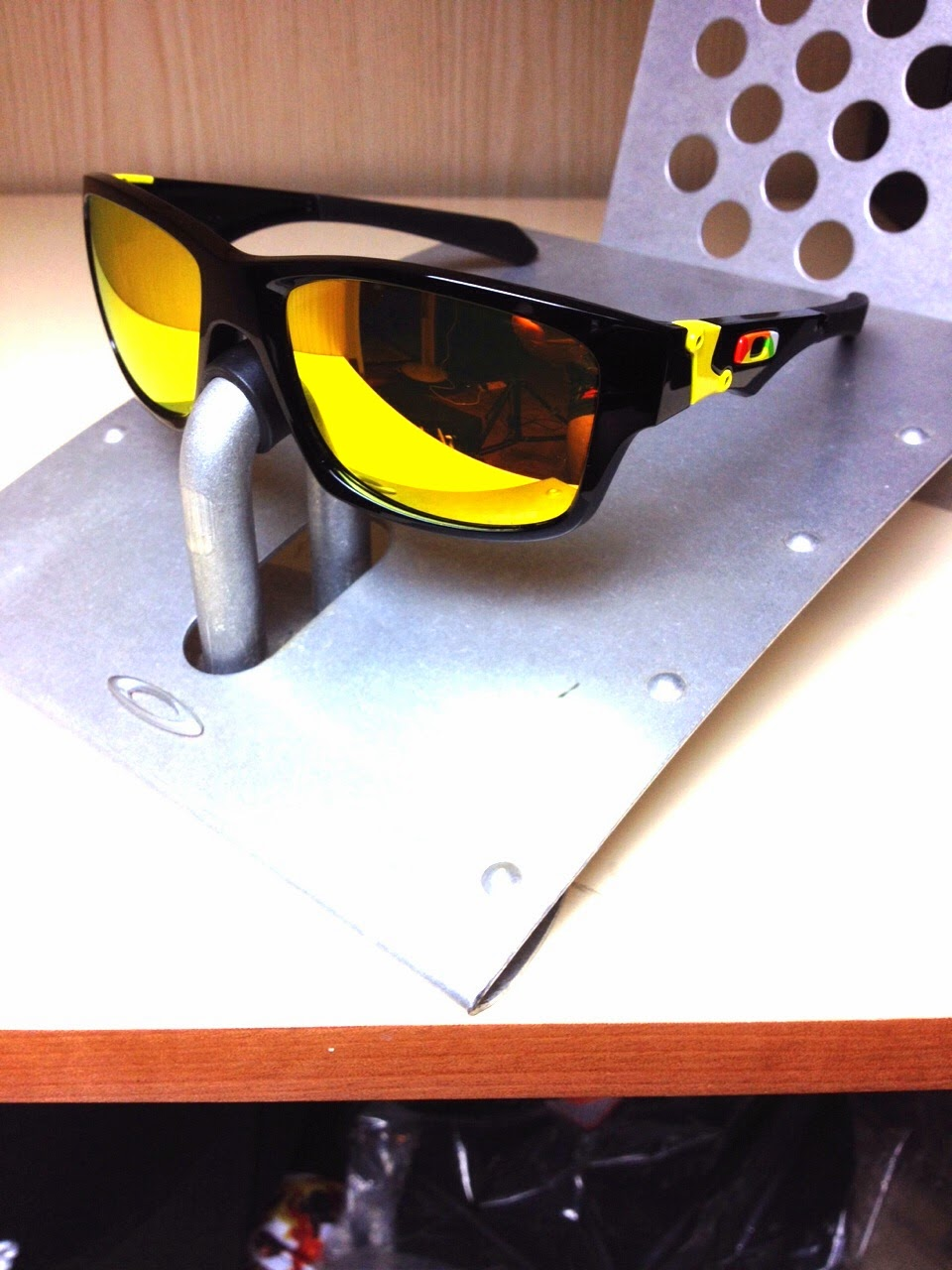 0ed9f2ef64c24 OAKLEY JUPITER SQUARED OO9135-11 LIMITED EDITION VALENTINO ROSSI POLISHED  BLACK POSITIVE FIRE IRIDIUM