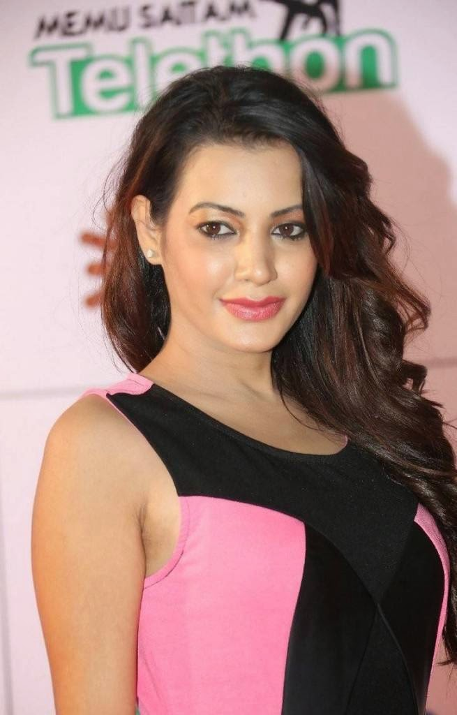 Actress Deeksha Panth Images, Deeksha Panth Hot HD Pics in Pink Dress