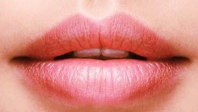 Ways to black lips - ঠোঁটের কালো দাগ দূর করার উপায়।