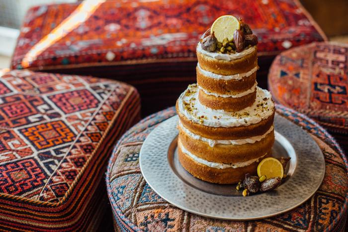 Naked Cake / Photography: Kacie Q. Photography / Styling + Flowers: Katalin Green / Cake: Sweet Pea Bakery /