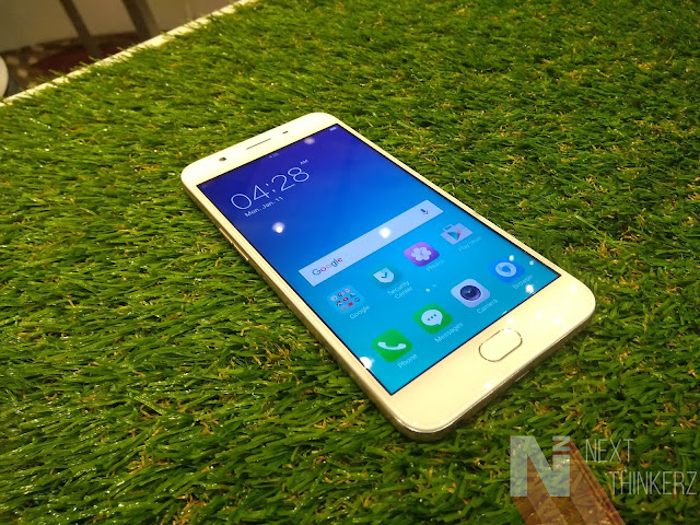 "OPPO F1s launched under the term ""Selfie Expert"" with 16MP front camera."
