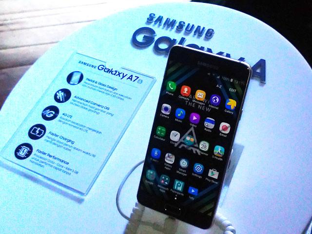 Makanya 3 Samsung Galaxy A Ini Pake Embel Tahun Di Belakang Namanya Seperti A3 2016 A5 Dan A7 Begituuuuhh