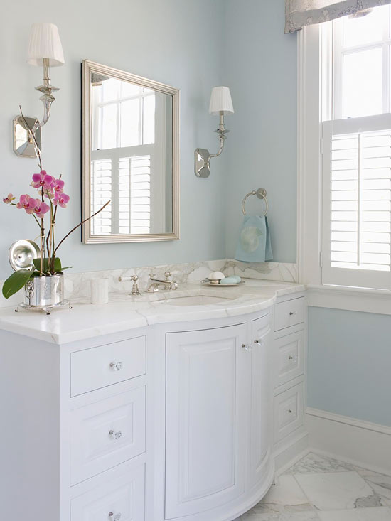 It S Got To Do With The Monogrammed Bath Towels I Ll Talk About A Bit Later Otherwise Think This French Inspired Bathroom Is Pretty Perfect