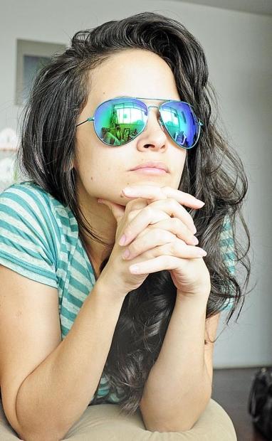 ebb0bf3470 Las gafas de sol ocultan la mirada y las emociones que ésta pueda mostrar