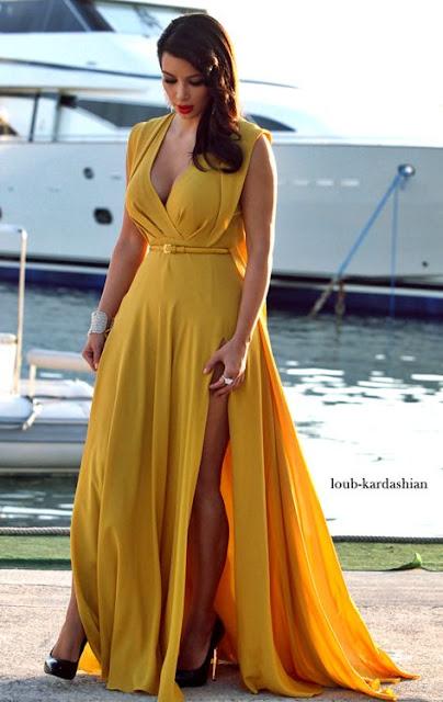 Vestido festa longo com fenda  da Kim Kardashian