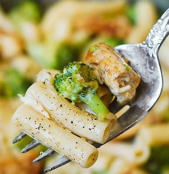 Chicken Broccoli Alfredo Pasta